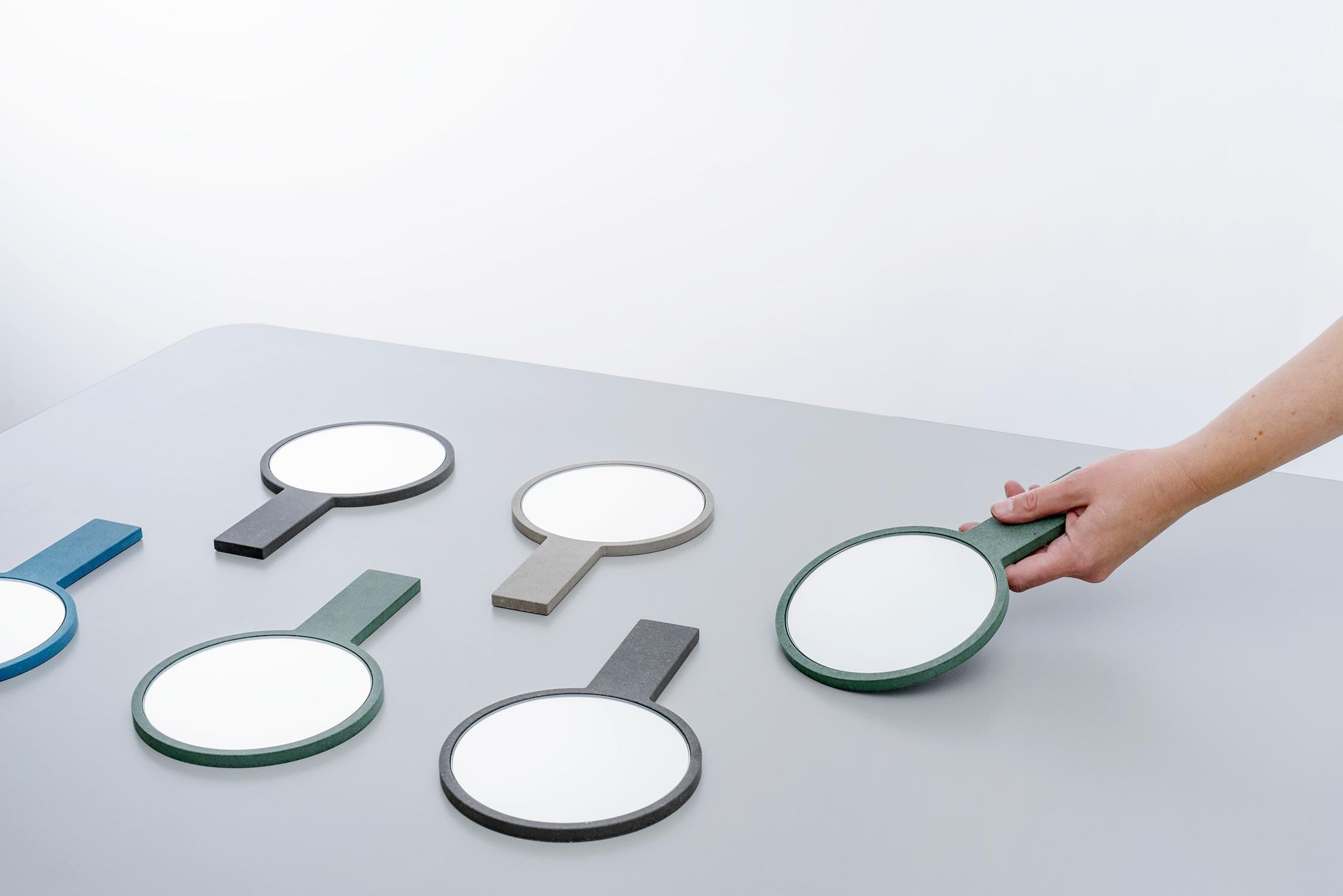 Hand_mirror_MPGMB-385